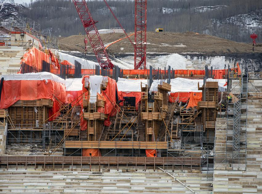 Spillway headworks under construction. The construction of a spillway will allow the passage of large volumes of water from the reservoir into the river channel downstream. (April 2021)