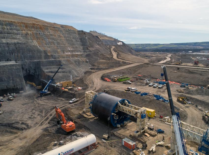 The first of two tunnel 'slip forms' is about to be moved into diversion tunnel 1.  These diversion tunnels will temporarily reroute a short section of the Peace River allowing the earthfill dam to be built across the river on dry land. (Spring 2019)