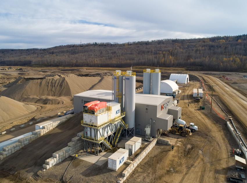 On-site batch plants supply Site C with conventional and roller-compacted concrete. (September 2019)