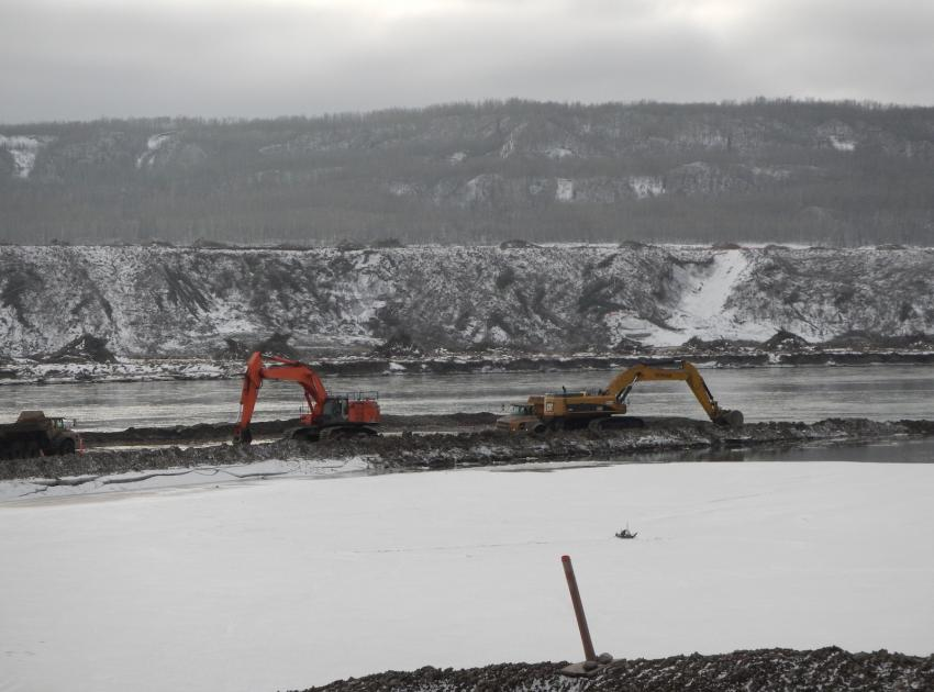 In-river excavation. (February 2016)